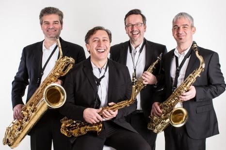 """XXV Pažaislio muzikos festivalis """"Pašėlę saksofonai Raudondvario dvaro menų inkubatoriaus kieme"""""""